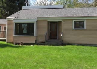 Foreclosed Home en MIDDLETOWN RD, Colchester, CT - 06415