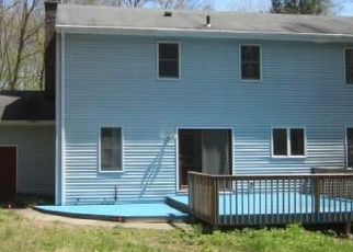 Foreclosed Home en LAURIER LN, Jewett City, CT - 06351