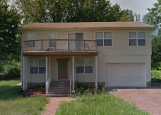 Foreclosed Home en KERNAL LN, Temple Hills, MD - 20748