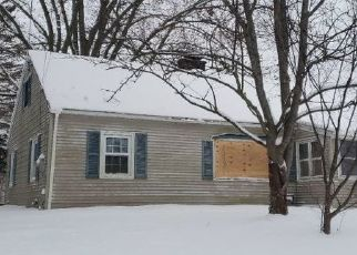 Foreclosed Home en WILCOX RD, Fulton, NY - 13069