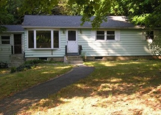 Foreclosed Home en MERROW RD, Tolland, CT - 06084