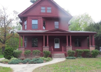 Foreclosed Home in SCHOOL ST, Enfield, CT - 06082