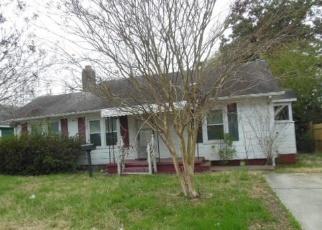 Foreclosed Home en HURLEY AVE, Norfolk, VA - 23513