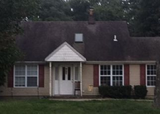 Foreclosed Home in LINDNER PL, Smithtown, NY - 11787