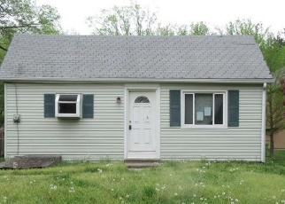 Foreclosed Home en W 10TH ST, Kansas City, MO - 64152