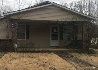 Foreclosed Home en ALICE ST, Poplar Bluff, MO - 63901