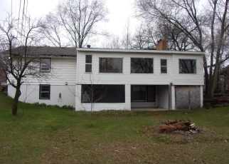Foreclosed Home en CROCUS ST NW, Minneapolis, MN - 55433