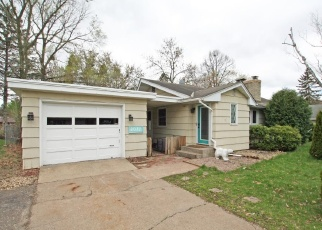 Foreclosed Home en CEDAR AVE, Saint Paul, MN - 55110