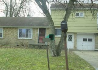 Foreclosed Home en SANFORD ST, Lansing, MI - 48906