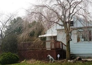 Foreclosed Home in LEWIS AVE, Temperance, MI - 48182