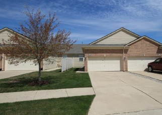 Casa en ejecución hipotecaria in New Baltimore, MI, 48051,  CAMDEN CIR ID: F4400168