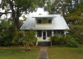 Foreclosed Home en E 5TH AVE, Mount Dora, FL - 32757