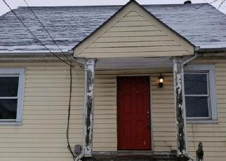 Foreclosed Home en ORIOLE AVE, Baltimore, MD - 21224