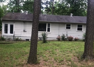 Foreclosed Home en VAN DORN ST, Petersburg, VA - 23805