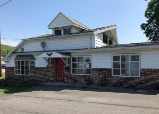 Foreclosed Home en CHESTNUT ST, Lykens, PA - 17048