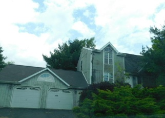 Foreclosed Home en RISING HILL DR, Saylorsburg, PA - 18353