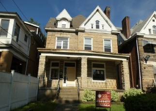 Foreclosed Home en S TRENTON AVE, Pittsburgh, PA - 15221