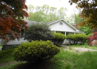 Foreclosed Home en PARTRIDGE LN, Trumbull, CT - 06611