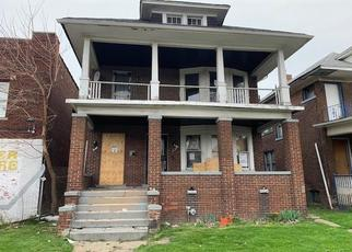 Foreclosed Home en WHITNEY ST, Detroit, MI - 48206