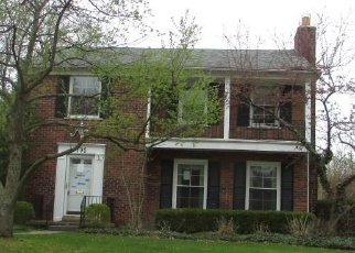 Foreclosed Home en LAKELAND ST, Grosse Pointe, MI - 48230