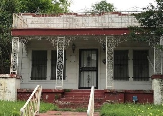 Foreclosed Home in E MORNINGSIDE DR, Fort Worth, TX - 76104