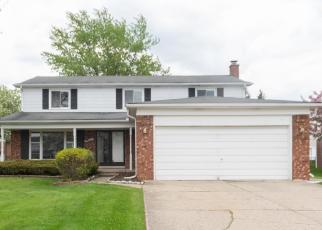Foreclosed Home en IVANHOE LN, Southfield, MI - 48034