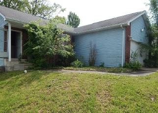 Casa en ejecución hipotecaria in Saint Robert, MO, 65584,  HILLCREST CT ID: F4401209
