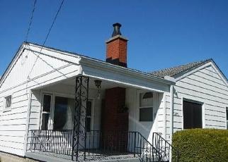 Foreclosed Home en ROBERTS DR, Flint, MI - 48506