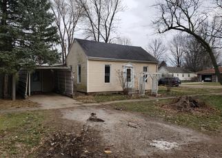 Foreclosed Home in S LOGAN ST, Mason City, IL - 62664