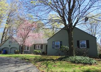 Foreclosed Home en S STONE ST, West Suffield, CT - 06093