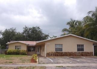 Foreclosed Home en SW 11TH AVE, Deerfield Beach, FL - 33441