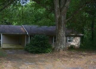 Foreclosed Home en DENNIS ST, Clarkesville, GA - 30523