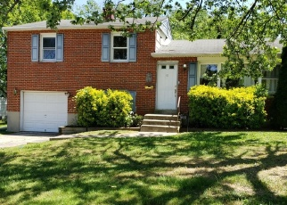 Foreclosed Home en CHARMUTH RD, Lutherville Timonium, MD - 21093