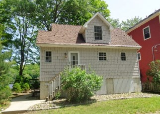 Foreclosed Home in INDIAN WELL RD, Shelton, CT - 06484
