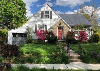 Foreclosed Home en MALCOLM ST, Hamden, CT - 06514
