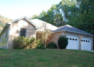 Foreclosed Home en WHISPERING HEIGHTS DR, Hardy, VA - 24101
