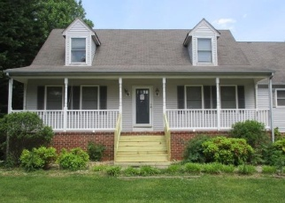 Foreclosed Home en HUNTERS CREEK RD, Forest, VA - 24551