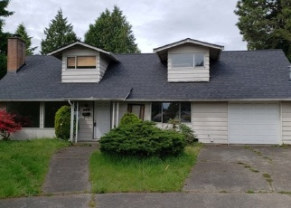 Foreclosed Home en SW 121ST ST, Seattle, WA - 98146