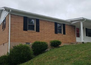 Foreclosed Home en HUMMINGBIRD HL, Tazewell, VA - 24651