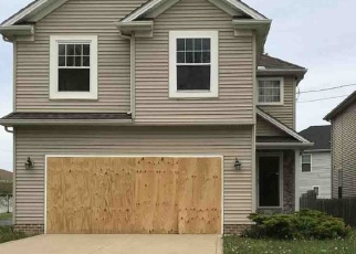 Foreclosed Home en BRUSH AVE, Euclid, OH - 44132