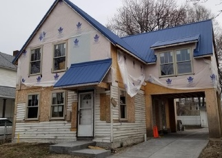 Foreclosed Home en W 52ND ST, Cleveland, OH - 44102