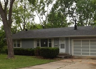 Foreclosed Home en N BALTIMORE AVE, Kansas City, MO - 64118