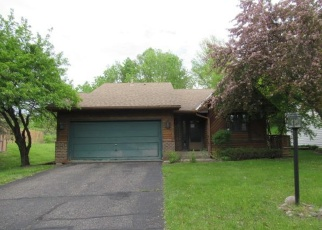 Foreclosed Home en KARIS WAY, Saint Paul, MN - 55122