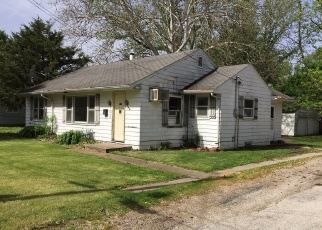 Foreclosed Home in N GEORGE ST, Clinton, IL - 61727