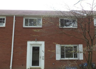 Foreclosed Home en MACASSAR DR, Pittsburgh, PA - 15236