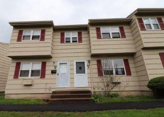 Casa en ejecución hipotecaria in Naugatuck, CT, 06770,  RIDGE RD ID: F4402527