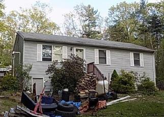 Casa en ejecución hipotecaria in Sterling, CT, 06377,  MAIN ST ID: F4403232