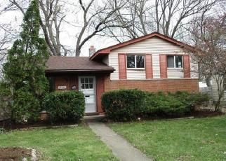 Casa en ejecución hipotecaria in Garden City, MI, 48135,  DONNELLY ST ID: F4403321