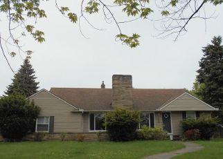 Casa en ejecución hipotecaria in Euclid, OH, 44117,  CHARDON RD ID: F4404722