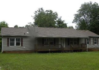 Casa en ejecución hipotecaria in Amherst, VA, 24521,  LIPSCOMB HOLLOW RD ID: F4405396